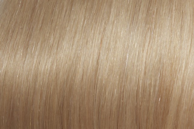 Naturlig blond Farge 16 - Invisible tape extensions 55 cm